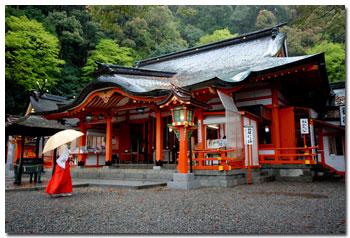 kumano-nachi-taisha-1.jpg