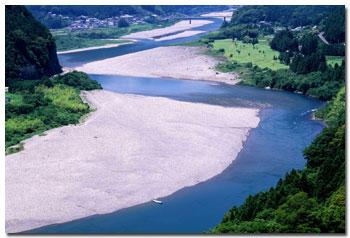 Kumano-gawa-river-4.jpg