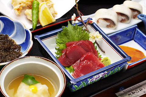 yoshii-zushi-food.jpg