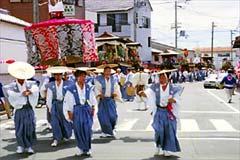 procession1.jpg