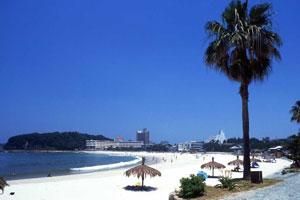 Shirahama-Beach.jpg