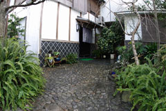 yasuda-outside.jpg