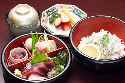 ginchiro-ekimae-food.jpg
