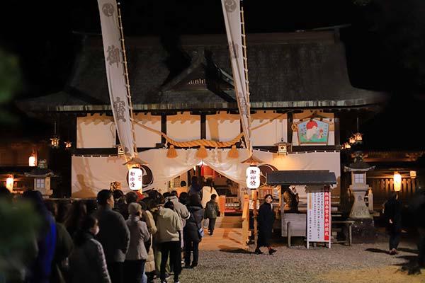 闘雞神社の初詣