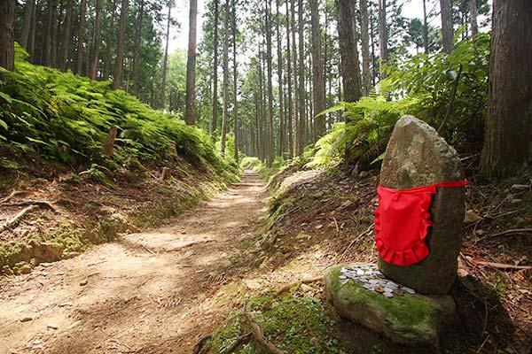 熊野古道中辺路 道休禅門地蔵